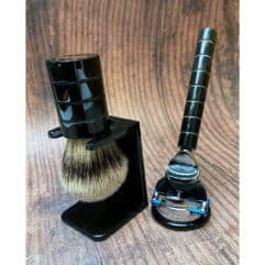 black-horn-lined-shaving-set